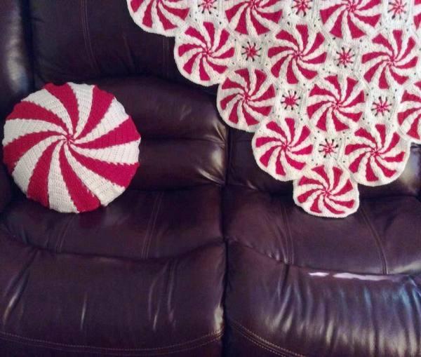 örgü battaniye ve yastık