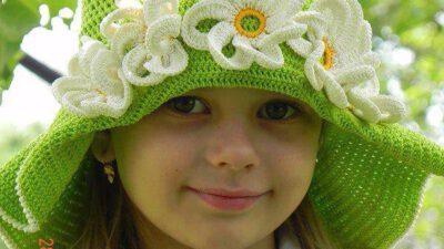 Örgü Yeşil Kız Şapkası Tarifi
