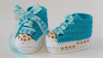 Mavi Beyaz Örgü Bebek Patiği Örmek