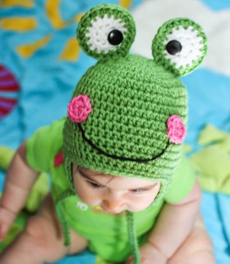 1 kurbağa desenli tığ işi şapka