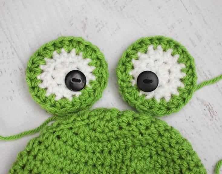 3 kurbağa desenli örgü şapka kulakları