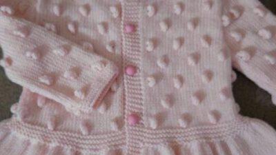 Fıstık Süslemeli Etekleri Kloş Bebek Hırkası Nasıl Yapılır? 2 .3 yaşa uygundur.