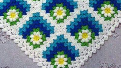 Renkli İplerle Motif Olarak Örülen Bebek Battaniye Yapımı.