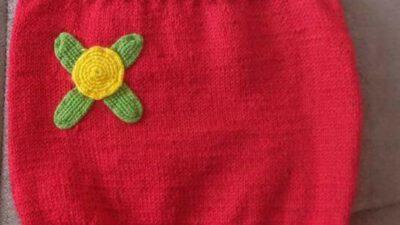 Kayık Yakalı Çiçek Süslemeli Düşük Omuzlu Kolay Çocuk Süveteri Tarifi. 4 yaş