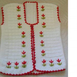 Büyük Kesme Şeker Örneğinde Çiçek Süslemeli Çocuk Yeleği Yapımı. 2 Yaş 8