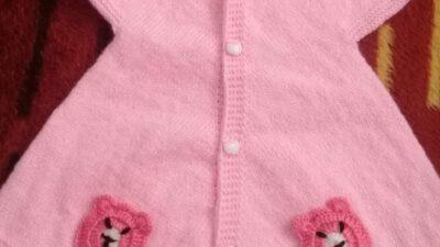 Yakadan Başlama Ayıcık Süslemeli Önler Üçgen Prenses Bebek Yeleği Yapımı. 1 .2 yaş