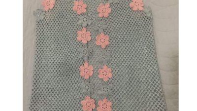 File Üzerine Renkli Motif Çiçek Süslemeli Çeyizlik Bayan Yelek Tarifi. 38 .  40 Beden