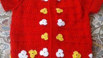 Yakadan Başlama Çiçek Süslemeli Çocuk Yeleği Tarifi. 1 .2 yaş