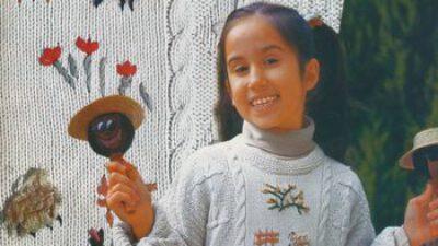 Çiçek İşlemeli Çocuk Kazağı