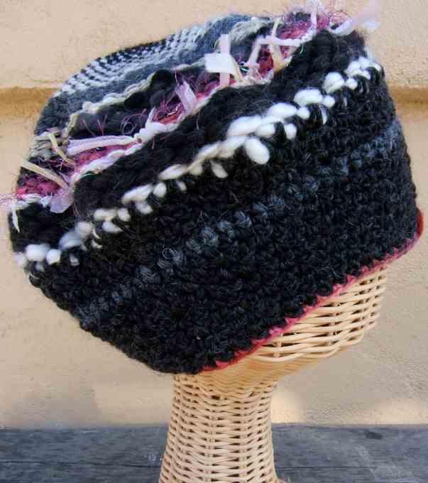 dairesel örgü ile şapka