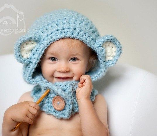 mavi bebek kulaklı şapka modeli